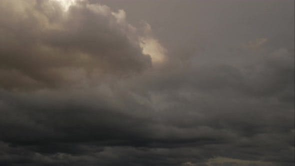 Cover Image for Rainy Clouds Timelapse