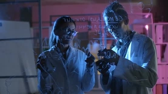 Cover Image for Working in a Research Lab