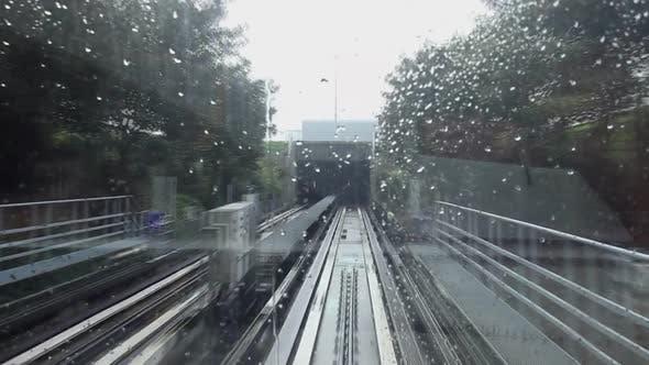 Shuttle train