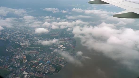 Thumbnail for Airplane Descending Before Landing