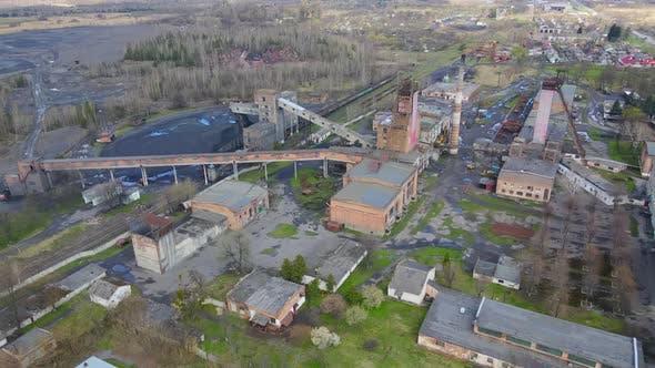 Luftbild Industrieller Kohlebergbau bei der Mine