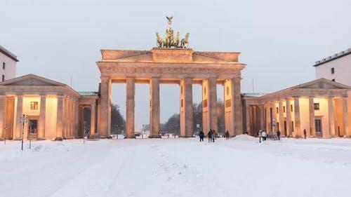 Time lapse of Brandenburg Gate (Brandenburger Tor) in winter with snow