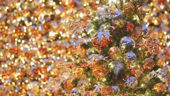 Thumbnail for Weihnachts- und Neujahrsdekoration am Weihnachtsbaum