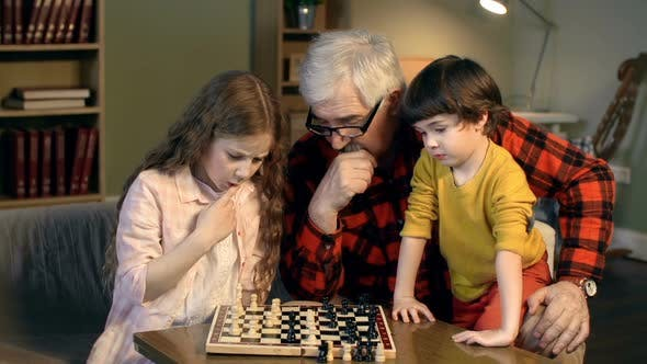 Thumbnail for Family Chess Time