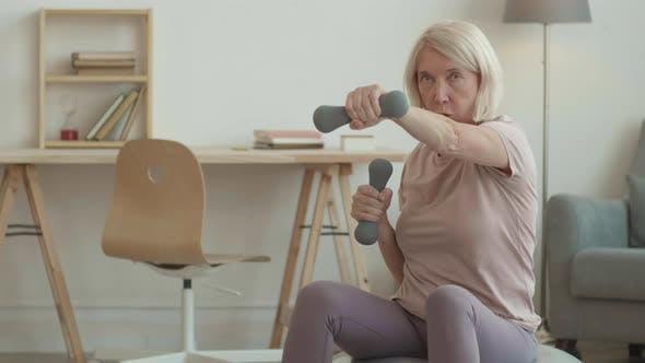 Fitness Teacher Hosting Online Class