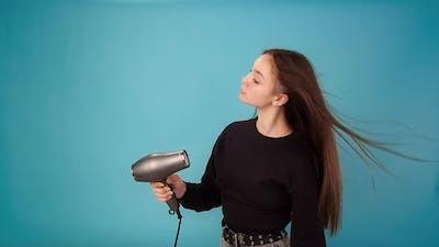 Model Brunette Waves Hair Drying