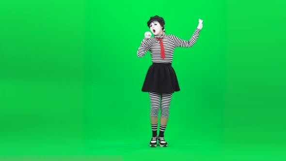 Thumbnail for Mime Woman Singing Song and Gesticulating. Chroma Key. Full Length.