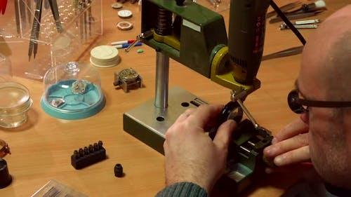 Watchmaker Customizes Drill Press