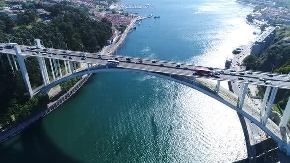 Thumbnail for Traffic on Modern Architecture Bridge