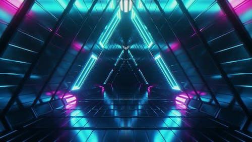 Abstrakter Endlos-Flug in einem futuristischen Metallkorridor