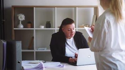 Business Meeting Project Planning Women Plan List