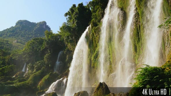 Cover Image for 4K Picturesque Sunny Waterfall in Southeast Asia