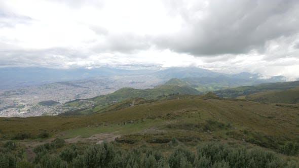 Hoher Winkel der Hügel