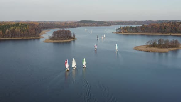 Thumbnail for Segelboote in Regatta Race. Ruhige Entspannende Herbstsaison