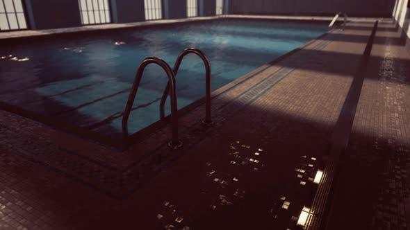 Leerer Swimingpool für den Wettbewerb