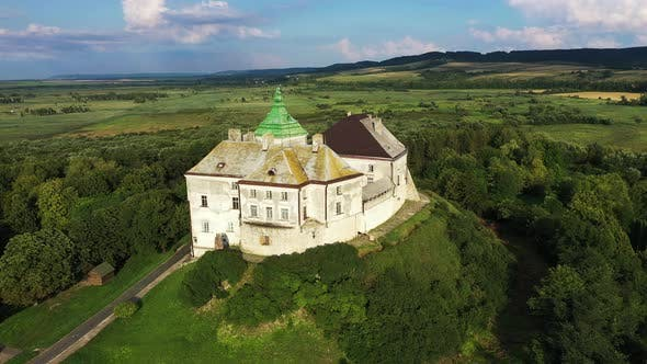 Cover Image for Beautiful Old Olesko Castle in Ukraine