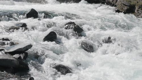 Kraftvolles Wasser