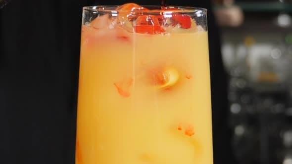 Thumbnail for Cocktail zubereiten