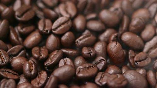 Stapel Kaffeebohnen