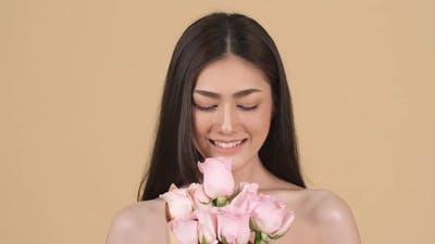 Beauty woman with rose