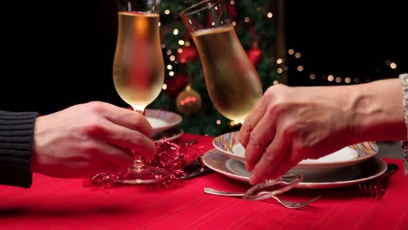 Champagne Toast in Christmas Table Set