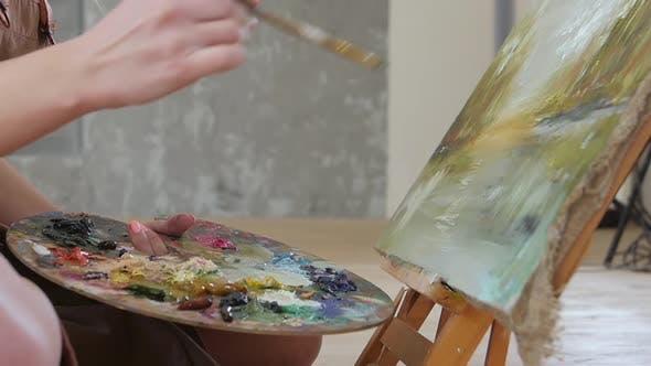 Thumbnail for Professionelle Mädchen Künstler Ölfarben auf Leinwand. Details, Zeitlupe