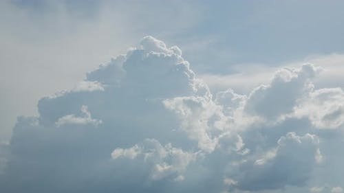 Timelaps. Clouds In The Sky. The Formation Of Clouds. Clouds
