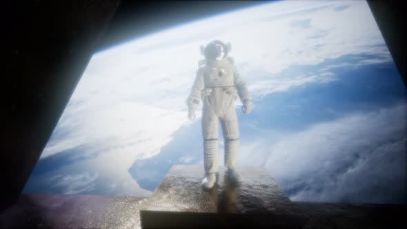 Cover Image for Astronaut on the Space Observatory Station Near Earth