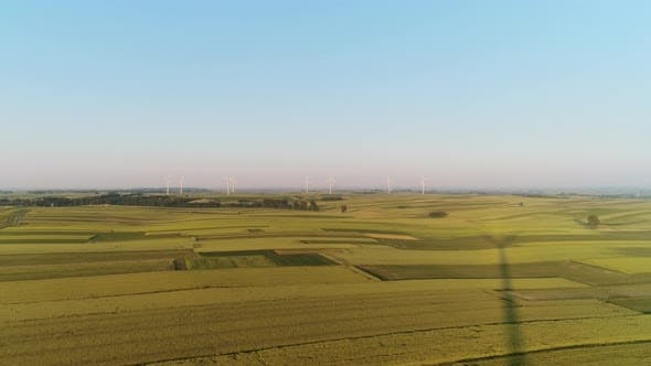 Thumbnail for Drohne Ansicht von Windenergieanlagen Stromerzeugung