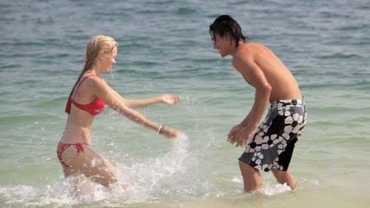Resort Flirt