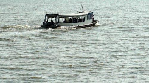 Departing Boat 2
