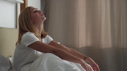 Morgen Angst Weibliche Einsamkeit Müde Frau Bett