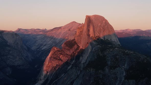 Cover Image for Red Sunset In Yosemite