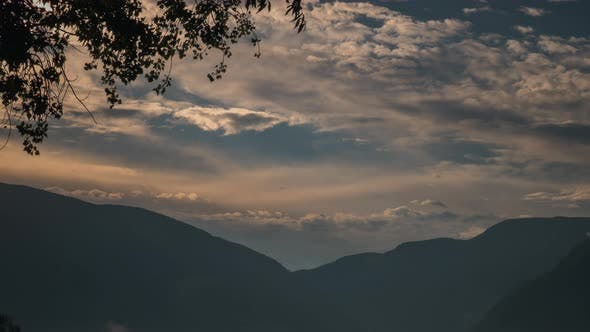 Thumbnail for Sunrise Timelapse In The Mountains