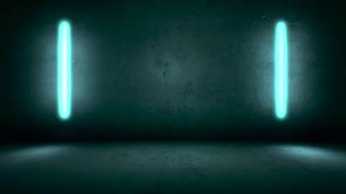 Glühende Neonlichter auf Wandhintergrund im Club