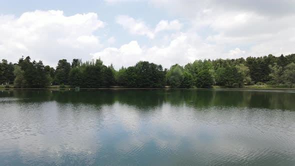 Naturel Lake Reflection