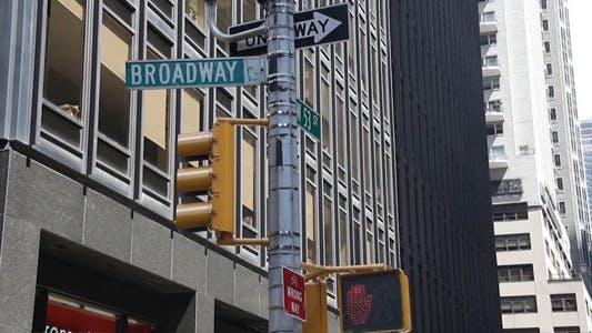 53w and Broadway Full HD