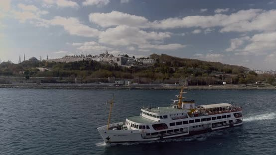 Thumbnail for Istanbul Bosphorus Ferry And Topkapi Palace