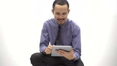 Business people are using tablet to make business contacts, online business concept