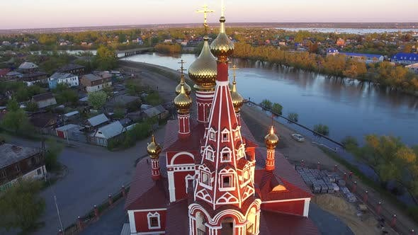 Amid the Flood of Drone Filmed a Beautiful Temple on the Banks of the River