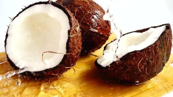 Thumbnail for Chair de noix de coco juteuse 8