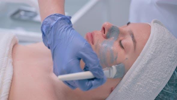 Kosmetologie und professionelle Gesichtspflege