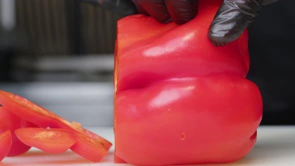 Cheef Cuts Vegetables