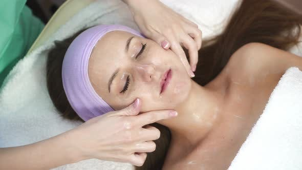 Facial Massage by Therapist