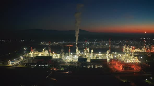 Cover Image for Aerial panorama Oil refinery lights night view, industrial landscape