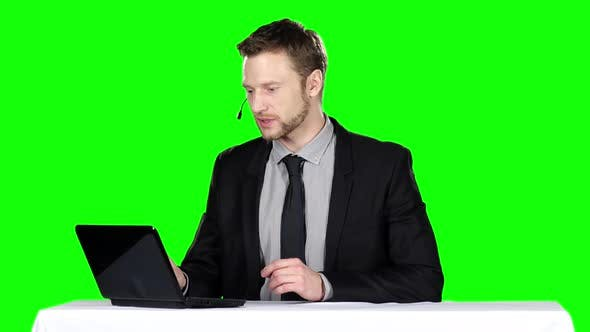 Thumbnail for Call Center Operator, Green Screen