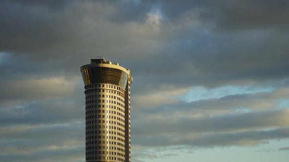 Thumbnail for Standalone Wolkenkratzer und Sonnenuntergang Himmel