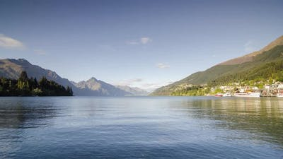 Timelapse Lake Wakatipu in morning.