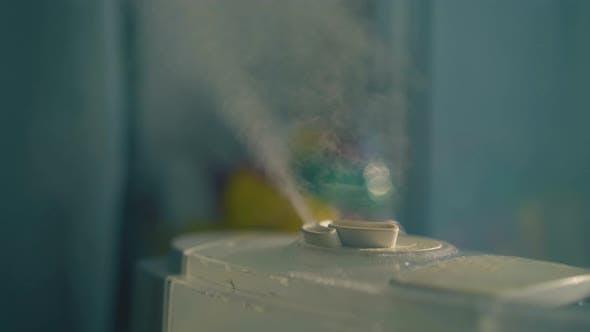 Home Air Ionisator mit Nassdampf-Wolke zur Befeuchtung von Luft