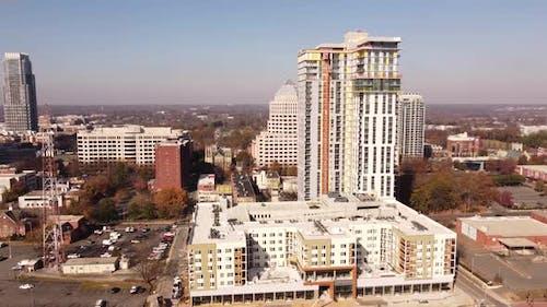 Aerial Video Gemischte Nutzung Kommerziell - und Wohnbebauung Downtown Charlotte North Carolina Usa